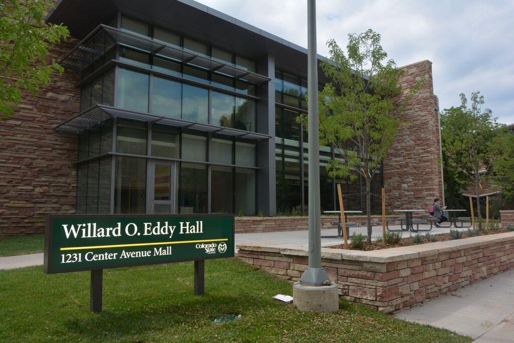 Willard O' Eddy Hall entrance